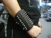 SUSPERIA  ...Spikes Leather Gauntlet (MDLG0002)
