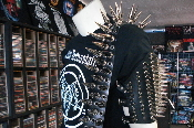 (SUFFOCATION).....LEATHER SPIKED GUITAR STRAP.(MDLS0056)