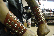 (PLASMATICS).....LEATHER GAUNTLET.VIKING.(MDLG0105)