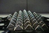 (KOVENANT)....LEATHER GIANT PYRAMIDS STUDS GAUNTLET (MDLG0107)