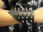 ARCH ENEMY ...SMALL LEATHER SPIKED BRACELET   (MDLB0158)