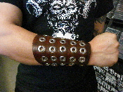 (TO DIE FOR).....viking brown leather armband.(MDLG0173)