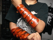 LEAVE'S EYES ...BRITISH TAN LEATHER VIKING GAUNTLET (MDLG0228)