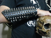 DESTRUCTION ...UNISEX SPIKED LEATHER GAUNTLET (MDLUG0253)