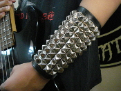 DEMONA SPEED  ...UNISEX STUDDED LEATHER GAUNTLET.(MDLUG0096).