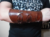 (AGENTS OF SATAN)....BROWN LEATHER GAUNTLET.(MDLG0205)