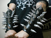 BULLDOZER ...LEATHER GIANT SPIKED LEATHER GAUNTLET ...(MDLG0221)