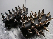 TEITAN BLOOD ...LEATHER SMALL GIANT SPIKED GAUNTLET ..(MDLG0319)