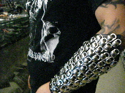 COVENANT ...LEATHER CIRCULAR RIVET & BEER TOP GAUNTLET(MDLG0142)