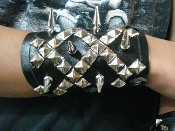 (NAGLFAR).....MIXED SPIKES AND STUDS UNISEX BRACELET (MDLUB0266)