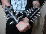GOATWHORE ...LEATHER GIANT SPIKE GAUNTLET  (MDLG0204)