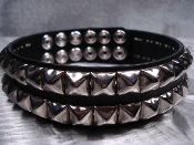RAZOR ...PYRAMID CHROME STUDS  BLACK LEATHER CHOKER   (MDLC0080)