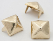 NABERIUS ...1/2 inch 13mm golden pyramid studs- Bag of 100   05