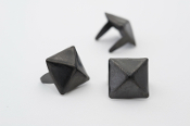 OSE ...1/2 inch 13mm black pyramid studs- Bag of 100   08